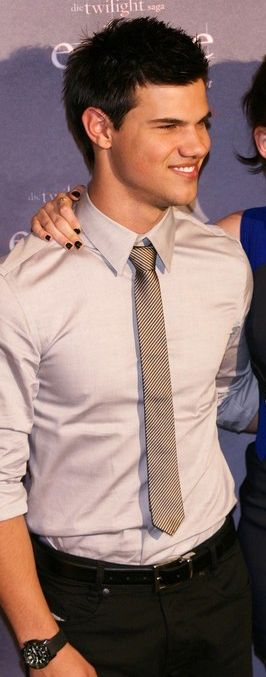 taylor lautner skinny tie
