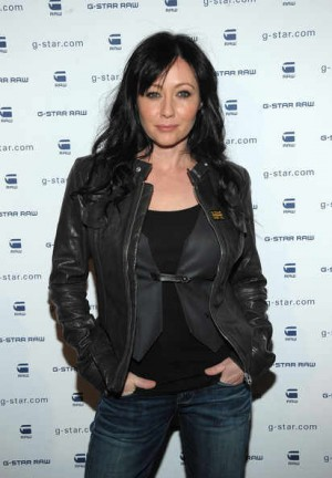 celebrities wearing gstar leather jackets shannen doherty biker
