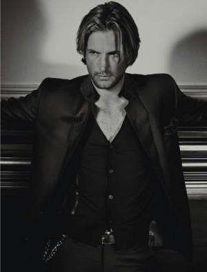 dress like a male model suit by paul smith