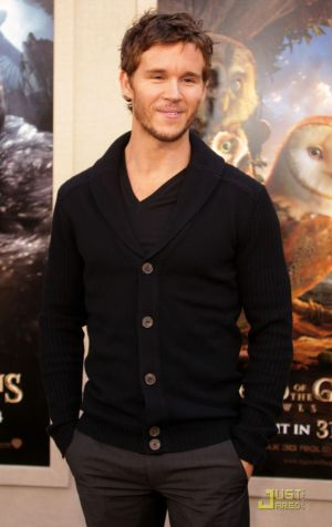 Celebrities Wearing Hugo Boss ryan kwanten