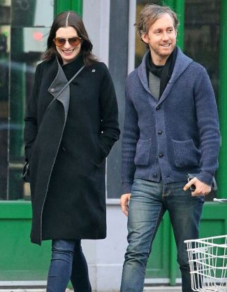 winter maternity clothes anne hathaway - seraphine winter coat2