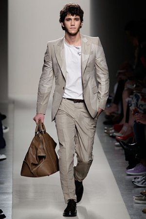 bottega veneta mens suits runway models