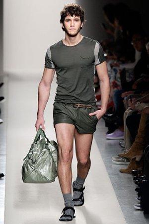 bottega veneta mens shorts. italian luxury designer short pants