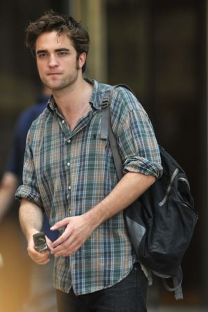 celebrities who wear plaid shirts. robert pattinson wearing ralph lauren green plaid oxford shirt
