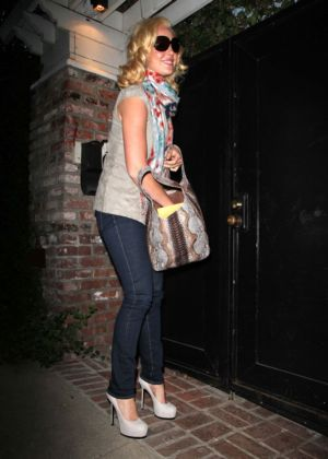 famous girls wearing jeggings katherine heigl