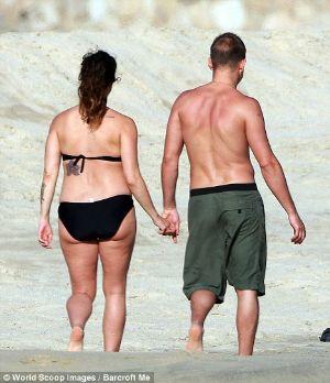 pregnancy bikini alanis morisette