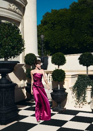 celebrities wearing carolina herrera dress angelina jolie