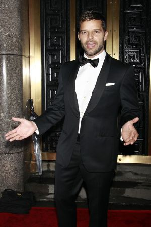 celebrity tuxedo suits ricky martin red carpet