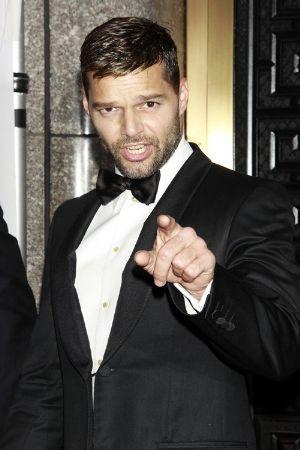 celebrity tuxedo suits ricky martin red carpet