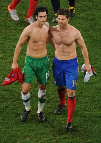 xabi alonso shirtless with Tiago Mendes