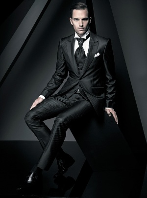 black suits for men - italian fashion style
