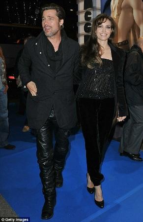 brad pitt black leather pants - celebrity leather fashion