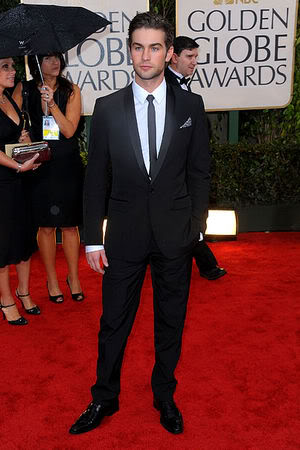 chace crawford suit red carpet