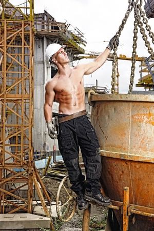 baukalender muscled construction workers