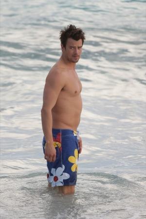 josh duhamel shirtless abs