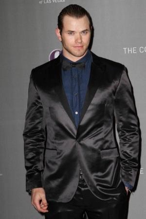 celebrities wearing tuxedo suits kellan lutz