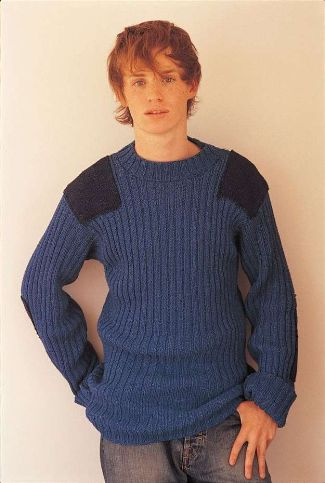 eddie redmayne - male model -sweaters - combat