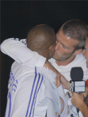 straight male celebrities gay kiss - david beckham