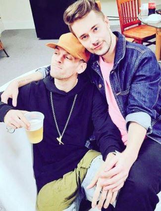 aaron carter gay with chris crocker