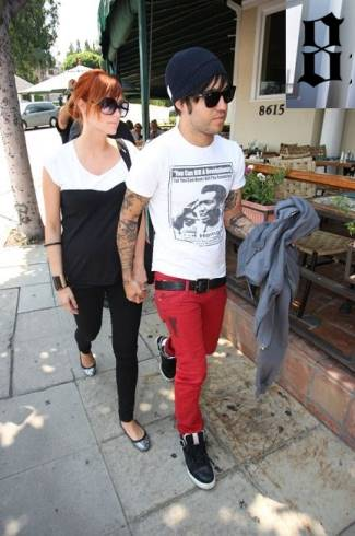 red jeans for men - pete wentz