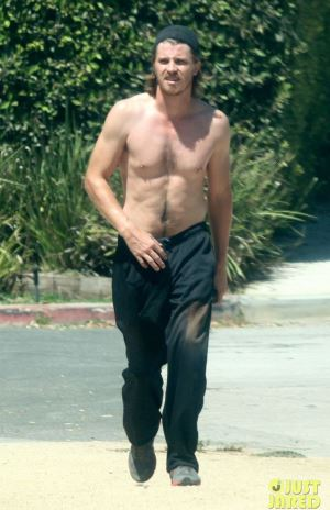Garrett Hedlund shirtless hot photos
