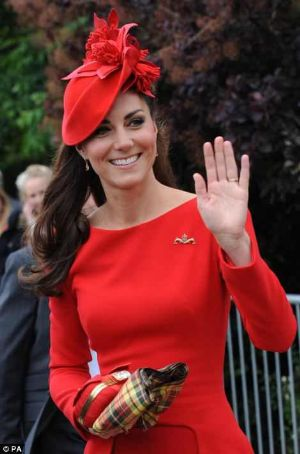 kate middletons alexander mcqueen controversial dress