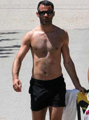 ryan giggs shirtless beach shorts