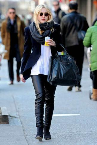 dakota fanning helmut lang leather pants