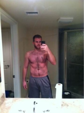 scott evans shirtless selfie
