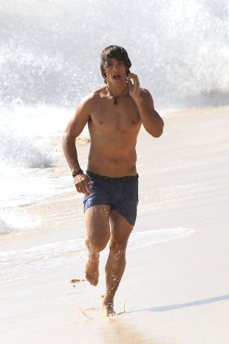 brenton thwaites shirtless sexy body