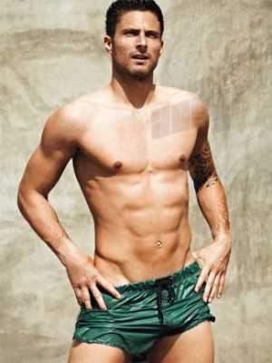 celebrities with smooth chest - olivier giroud