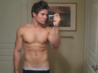 Josh-Henderson-peekabo-underwear