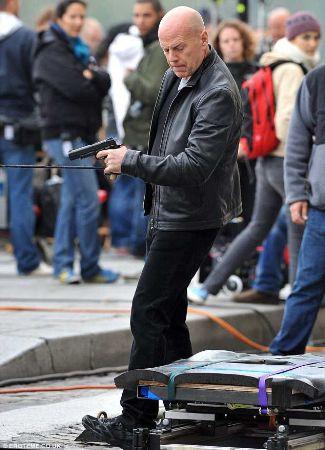 frank moses red leather jacket bruce willis movie fashion