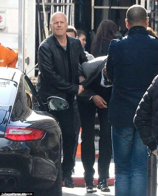 frank moses red leather jacket bruce willis red 2