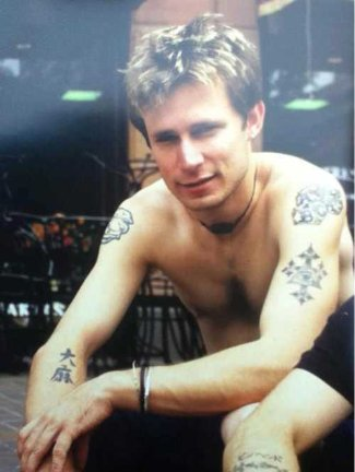 green day - mike dirnt shirtless