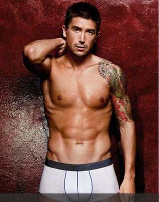 harry kewell underwear model - aussie footballer