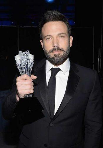 formal suits for men - ben affleck - gucci - critics choice trophy
