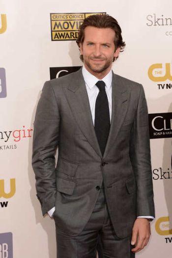 formal suits for men - bradley cooper - critics choice awards best actor