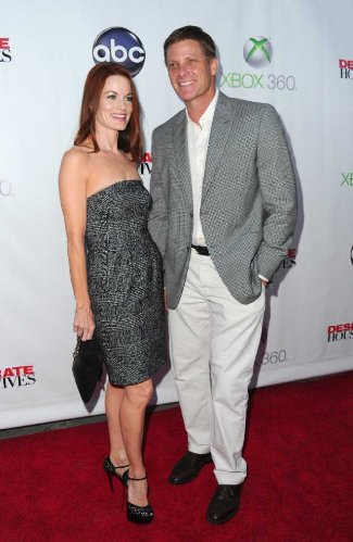 Doug Savant at event of Desperate Housewives with wife laura leighton - red carpet april 2012