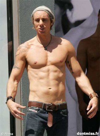 dax shepard abs and chest shirtless