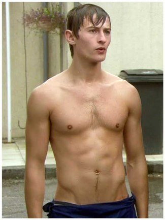 elliot tittensor shirtless wet body