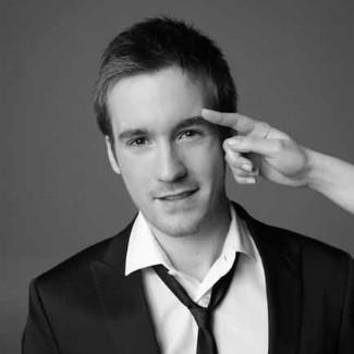 Grégoire Leprince-Ringuet suit and tie fashion