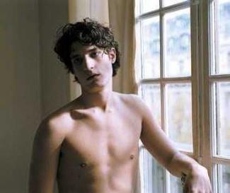 louis-garrel-sexy-shirtless