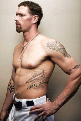 hot mlb players Kyle Farnsworth shirtless and tattoos - mlb pitcher