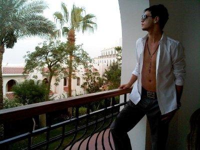 alex buchanan shirtless abs watch