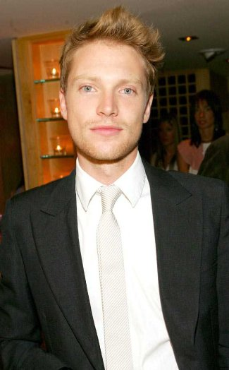 simon woods hair color - celebrity red head