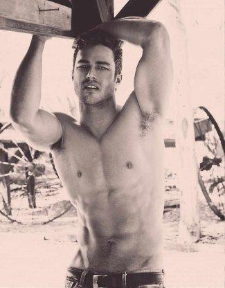 taylor kinney - male model - la models - washboard abs