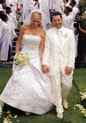 jason priestley naomi lowde wedding photo