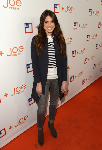 Nikki Reed and J Brand 811 Skinny Jeans - female celebrities wearing skinny heans