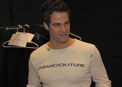 Rob-Marciano-TightShirt